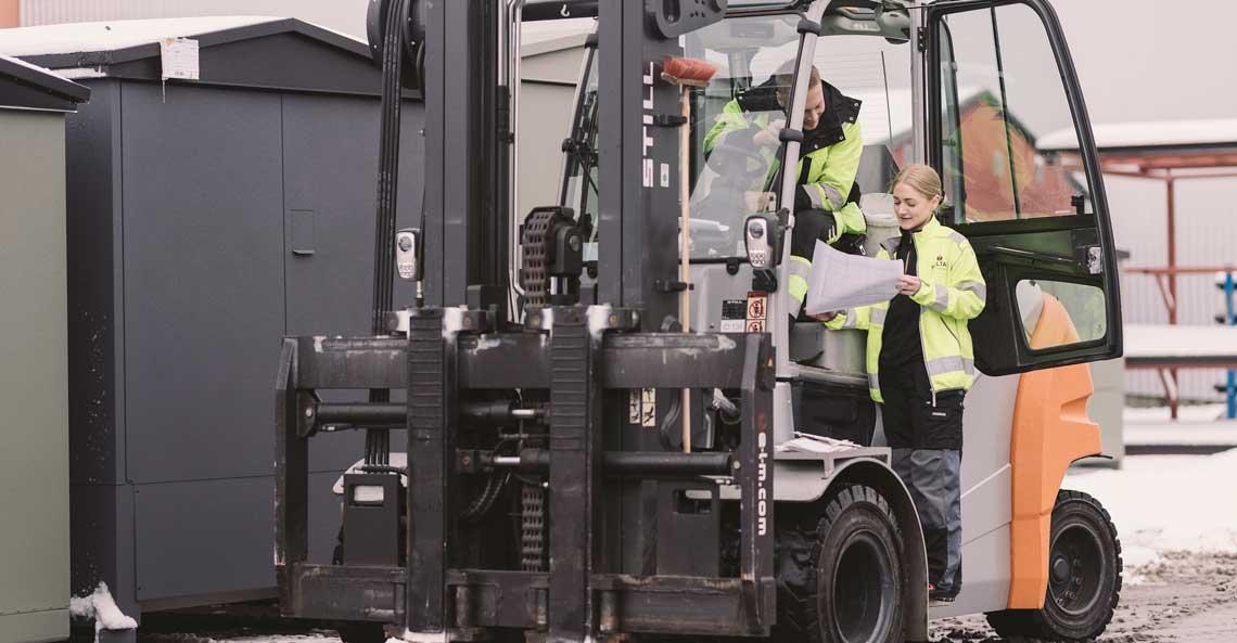 Holtab söker truckförare med behörighet att köra kran